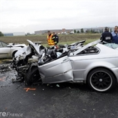 BMW 330 ci accident with renault clio in france