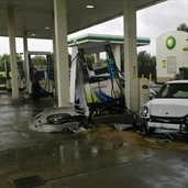 Porsche GT3 crashed in the Gas Station